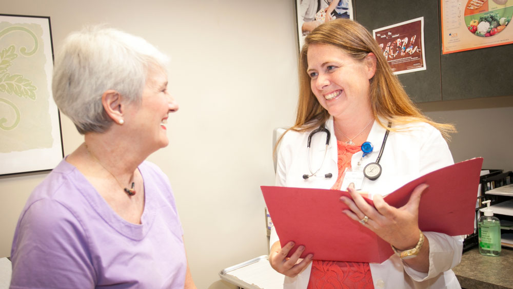 140728_carering-clinic_4971-16x9-1000px